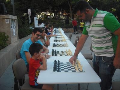 Simultanea Ajedrez Exhibicion Paseo Romeral 2016